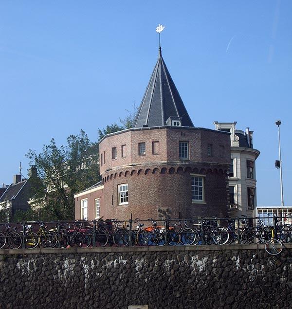 A torre onde as mulheres iam chorar pelos maridos que partiam rumo ao mar