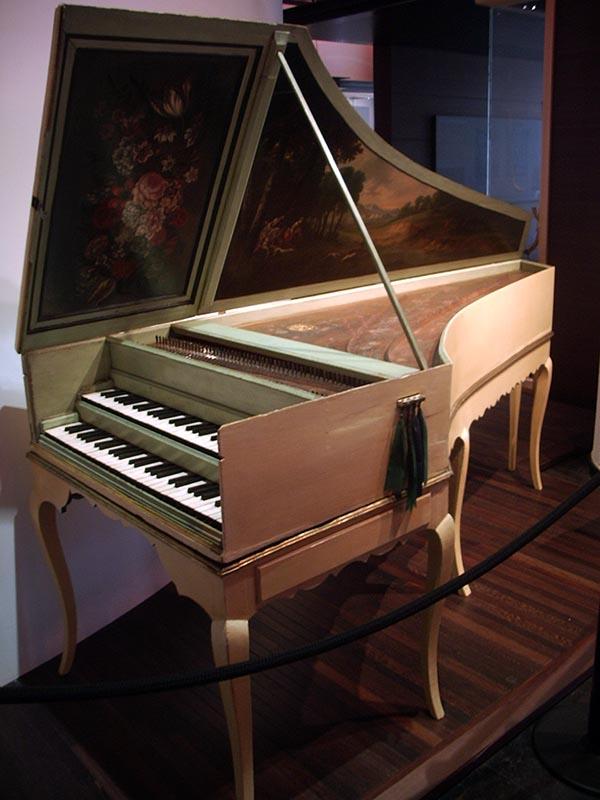694 - Musee des instruments de musique 39