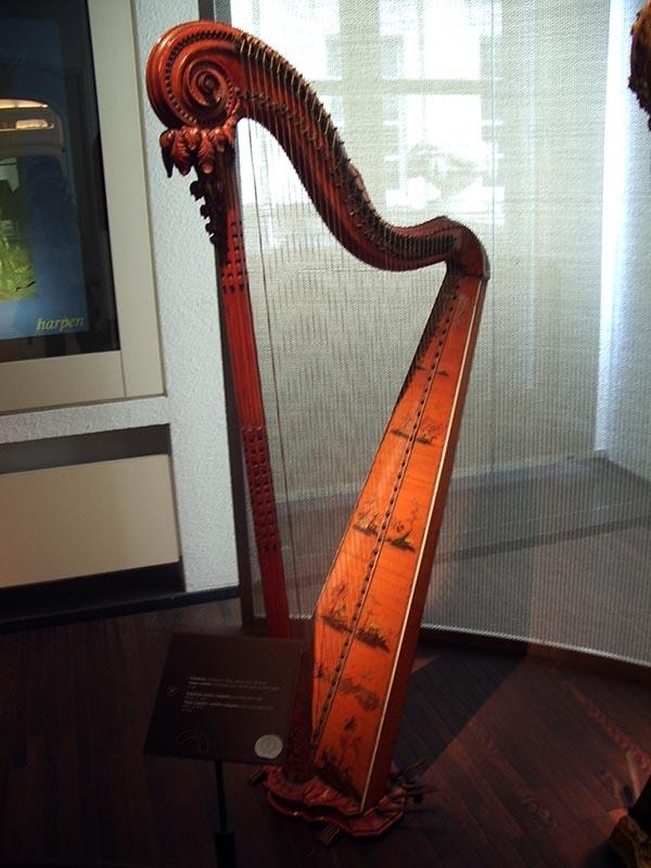 713 - Musee des instruments de musique 58