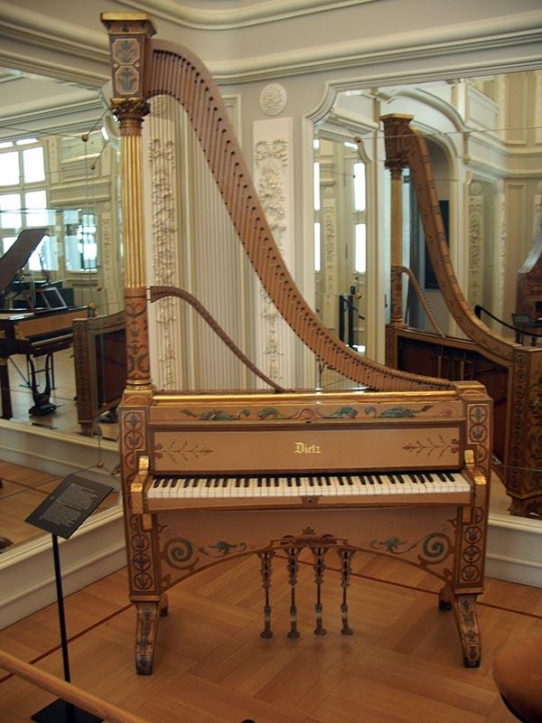 717 - Musee des instruments de musique 62