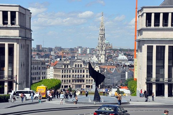 Vista da praça Mont Des Arts