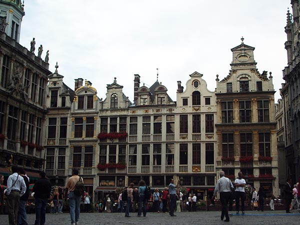 744-grand-place-01